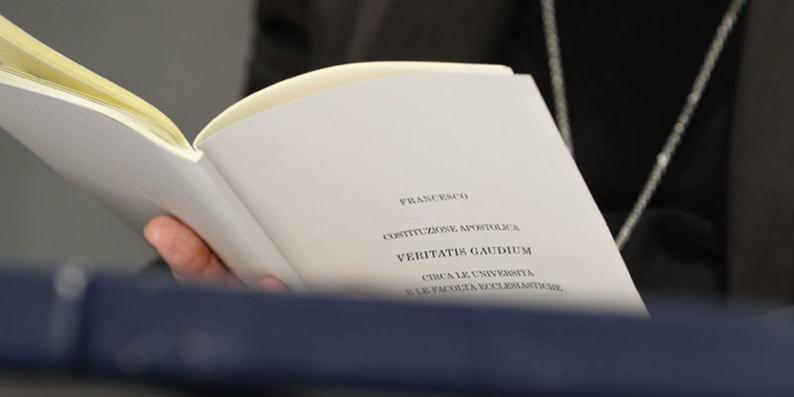 « VERITATIS GAUDIUM » ET RENOUVELLEMENT DES ÉTUDES ECCLÉSIASTIQUES